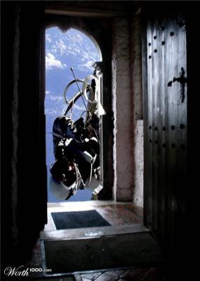 20110928200828-space-door.jpg
